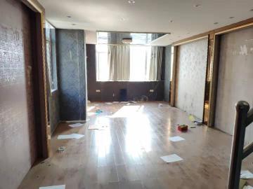 东湖春树里  1室1厅1卫    4000.0元/月