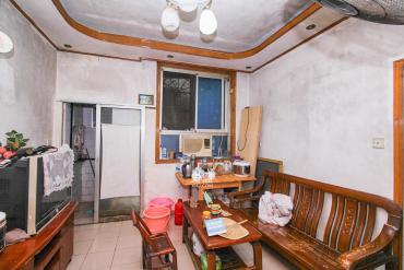 三印宿舍單位房,業主誠心出售,降價了隨時看房
