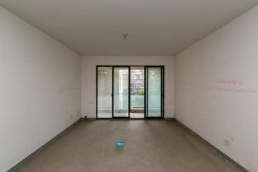 融科东南海  5室2厅1卫    202.0万