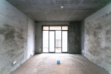 井灣子 新盛瓏景臺中間樓層  純毛坯 四室兩廳 讀楓樹山小學