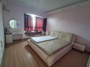 中泰峰境  3室2厅2卫    2300.0元/月
