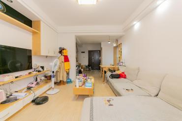 凱樂國際城  1室1廳2衛    110.0萬