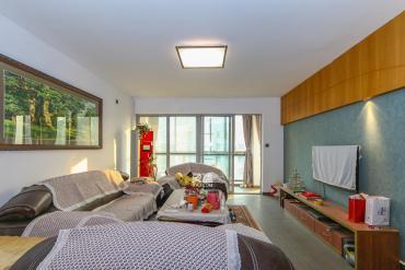 陽光100二期  4室2廳1衛    180.0萬