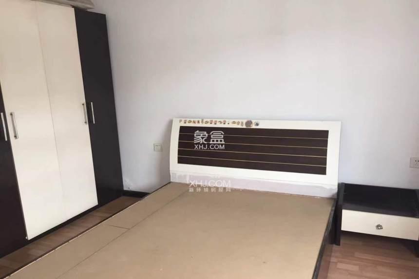 轻纺城  3室2厅2卫    1600.0元/月