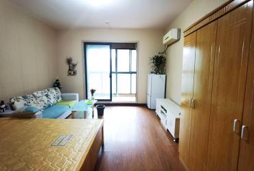 花漾年华(桂花园)  1室1厅1卫    1300.0元/月