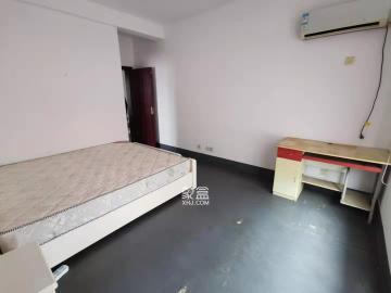 至雅小玲家園  3室2廳2衛    1800.0元/月