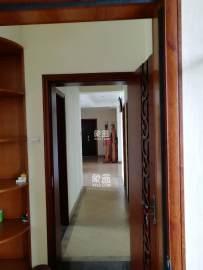 长房白沙湾,3房2厅2卫,全实木装修,随时看房