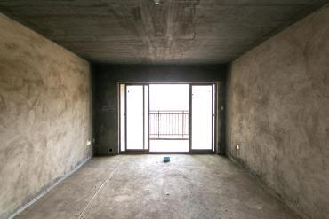 工贸大厦  3室2厅2卫    135.0万