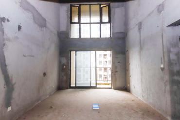毛坯復式 上下雙層空間 保利麓谷林語 地鐵口 大氣的家