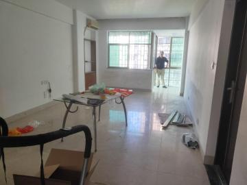 交警公寓  3室2厅1卫    153.0万