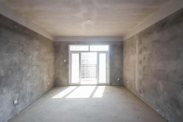 麓谷 企業廣場 梅溪湖旁 保利林語 毛坯大三房 出售