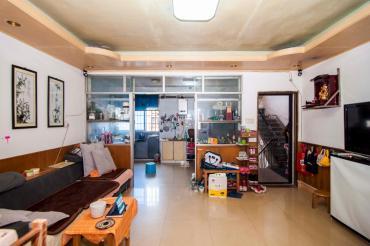 南湖路隧道口 樓下就是商超 房東誠意出售 單位房 雙地鐵