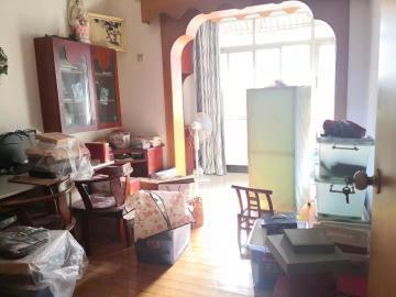 省水院宿舍  3室1厅1卫    2600.0元/月
