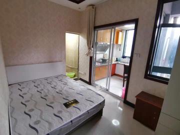 凤凰新新家园2期  1室2厅1卫    1300.0元/月