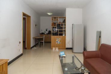 1戶型 兩室兩廳一廚一衛一陽臺南北通透一梯
