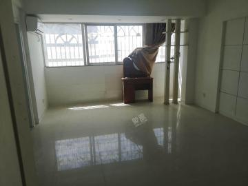 海南国际贸易商务大厦  3室2厅1卫    3500.0元/月