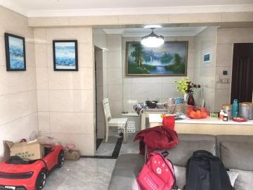 中医院 凯旋名门 装修很好的居家四房 有钥匙诚心出租