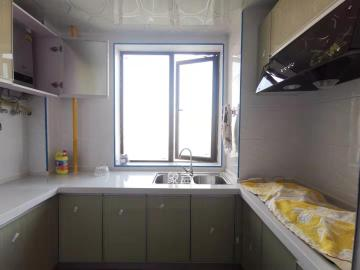 洋湖18克拉(旷远洋湖18克拉)  4室2厅2卫    3000.0元/月