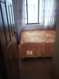 山水新城  3室2廳1衛    1900.0元/月