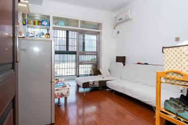 花樣年華 正規一室一廳 小區環境優美 同產權對比戶型好