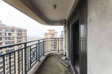 永琪西京  5室2厅2卫    243.8万