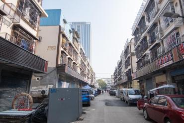 星沙三區整棟私房出售 有天有地 中心位置 好出租