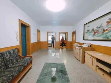 便河邊單位房  3室2廳1衛    3000.0元/月