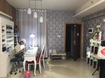中心广场 大汉希尔顿 醉便宜的一套空房 适合办公美容美发