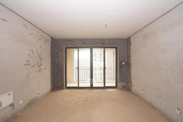 龙湾国际(紫湖香醍)  4室2厅2卫    110.0万