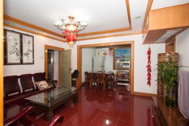 中国农业发展银行机关宿舍  3室2厅2卫    136.0万