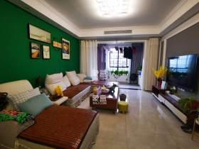 华雅花园新C区,精装大三房出售,65.5万