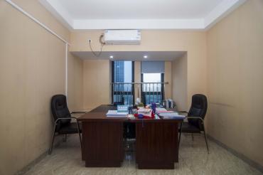 建发汇金国际  4室2厅1卫    210.0万