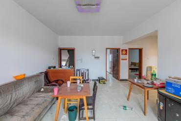 泉塘小區  4室2廳1衛    80.0萬