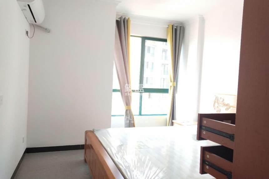 宏宇新城橡树湾  2室2厅1卫    2400.0元/月