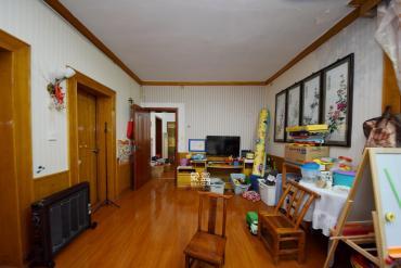 林業廳宿舍  3室2廳1衛    135.0萬