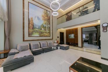 萬國城(當代滿庭春MOMA)  6室2廳2衛    315.0萬
