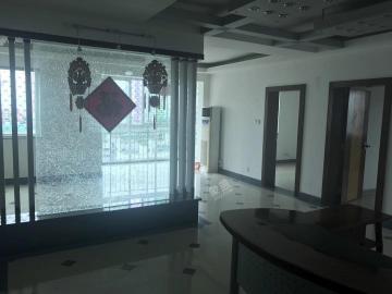王府小区  3室2厅1卫    3500.0元/月
