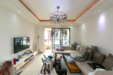 地鐵口上的兩居室 融科品質 居家精裝修 業主置換 誠心出售