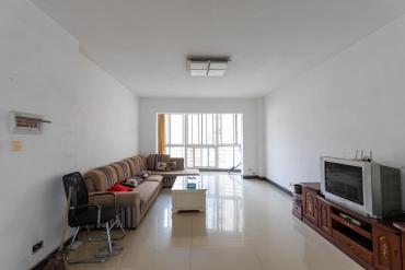 圣力華苑 3室2廳2衛 105萬