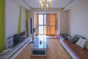 房型坐北朝南,视野开阔,位置安静舒适,小区环境好,空气清新,