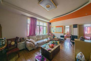 泉塘小區  精裝修兩房  居家裝修   誠心出售  隨時看房