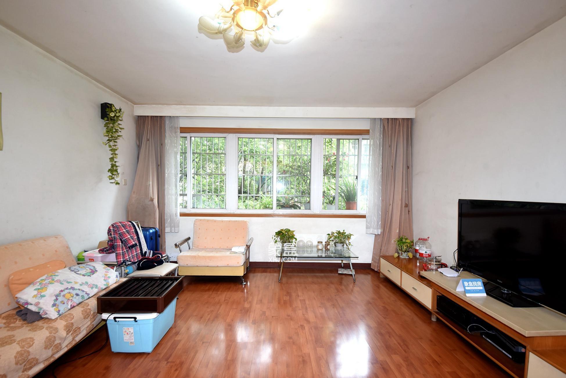 广济苑公寓 4室2厅2卫 178.0万