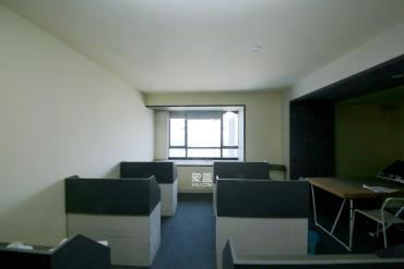 百纳广场(百纳公寓)  3室2厅1卫    128.0万