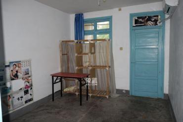 湖橡宿舍  3室1厅1卫    1800.0元/月