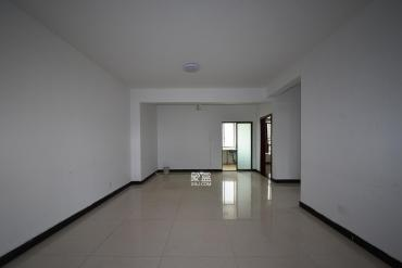 涂家沖美寓明城地鐵口出口樓上,電梯兩室一廳,已出租誠心出售