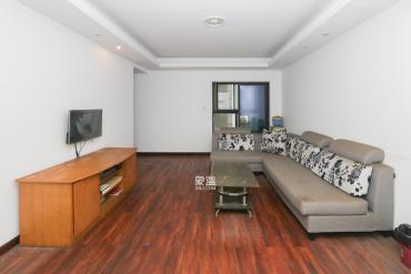綠地中央廣場  3室2廳2衛    125.0萬