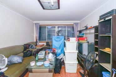 新天小區  3室2廳2衛    80.0萬