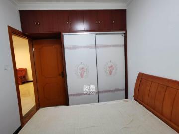 国泰九龙湾  2室1厅1卫    2200.0元/月
