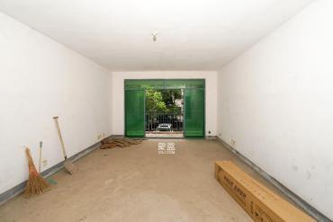 步梯房二樓 紅衛小學明德中學業主誠心出售 南北通透 隨時看房