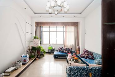 湘银嘉园  3室2厅2卫    140.0万